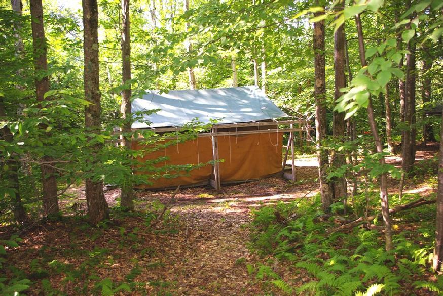 874_Hogan_left_tent_side