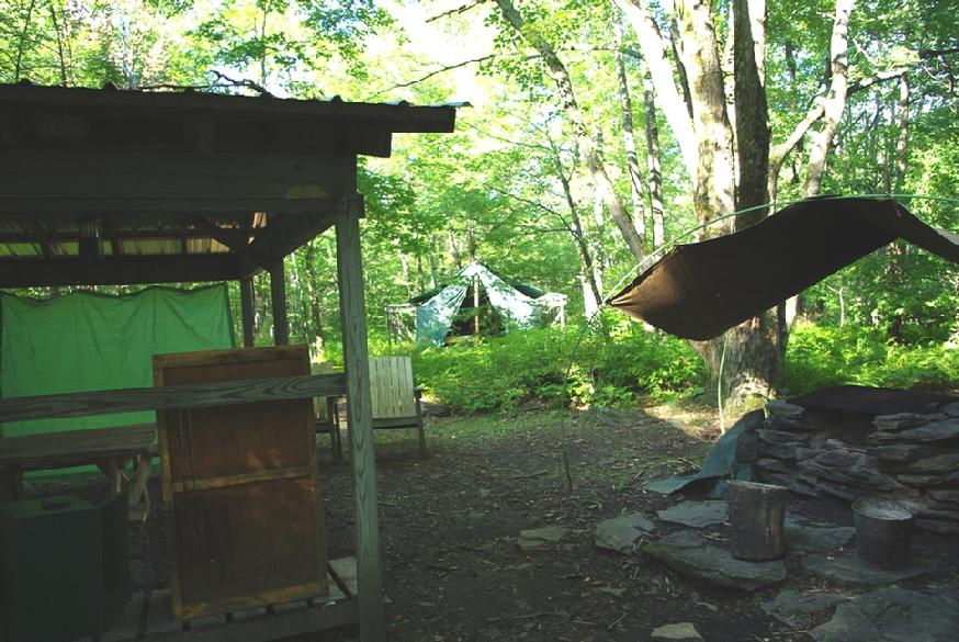 874_maples_left_dining_cooking_tent