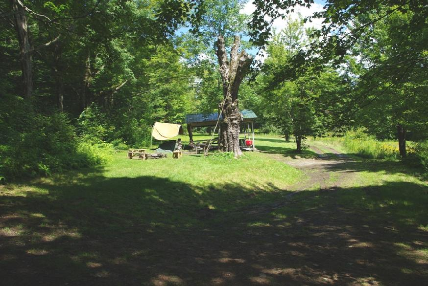 874_ovr-far-dining-view-from-tent